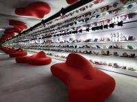 开放时间再延迟两周对服装和鞋类零售商来说是又一打击