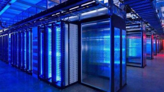 梅赛德斯奔驰和英伟达将开发汽车超级计算机