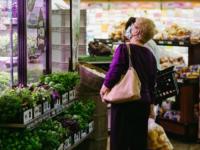 加拿大杂货店正在增加温室