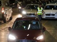 英国在推动电动汽车转换方面面临有限的电池供应